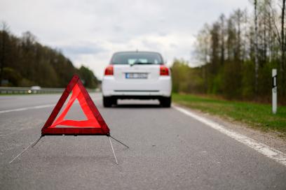 Voiture en panne sur la route - Remorquage Jolicoeur à Joliette
